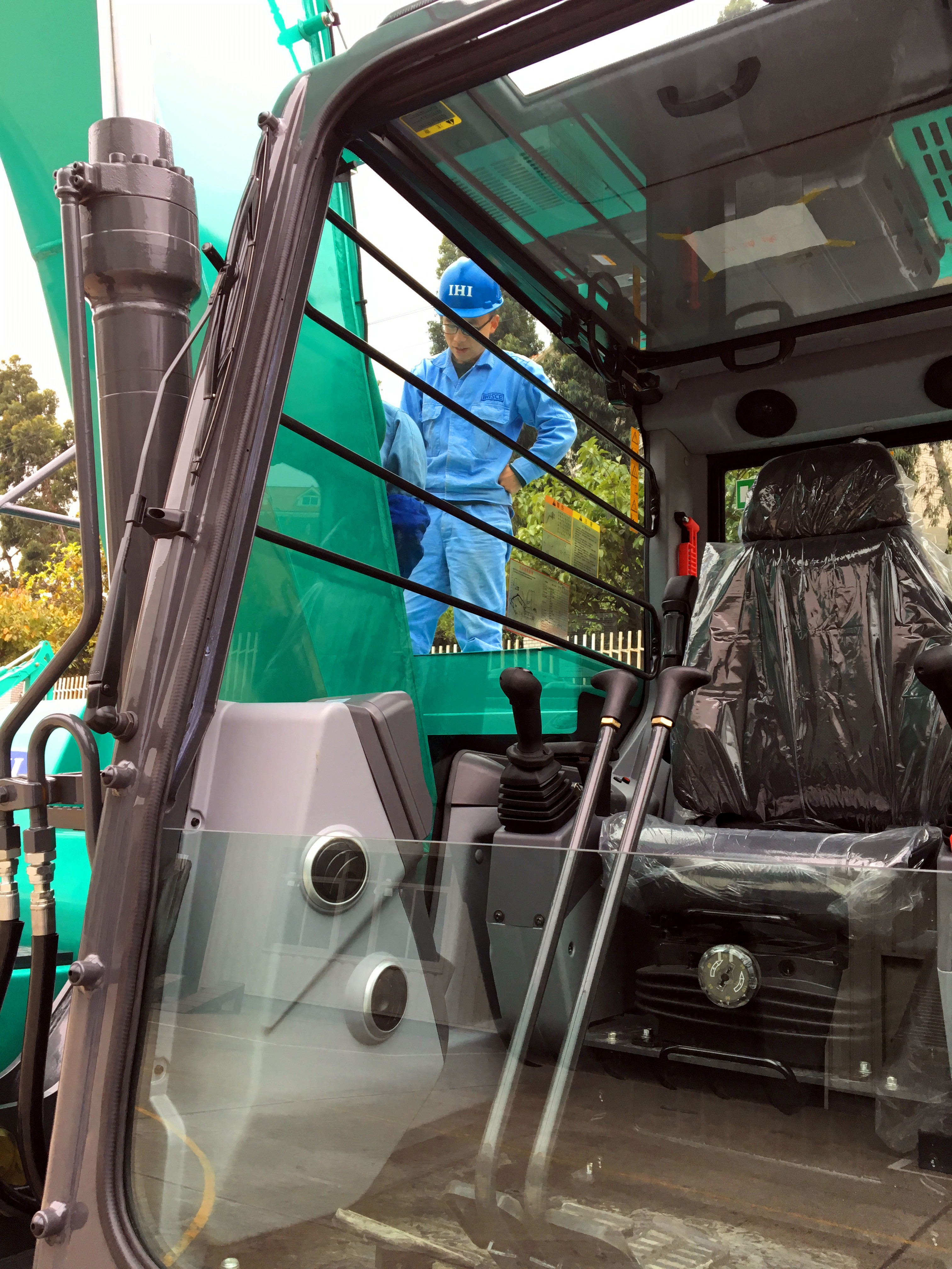 石川岛135NS挖掘机驾驶室